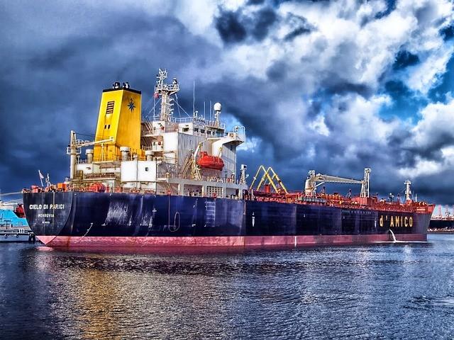 HDR Ship